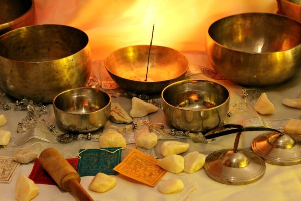 Bols tibétains: technique vibratoire de la naturopathie  (techniques de naturopathie)